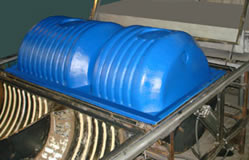 Vacuum-molding machines: <br> forming  of septic tank.